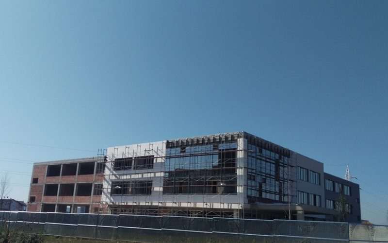 Liceul privat Logos finalizează investiția la al doilea corp de clădire