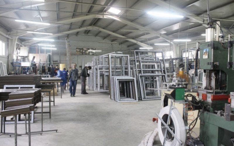 Fabrica FENSTER, scoasă la licitație pentru minimum 305.000 euro+TVA