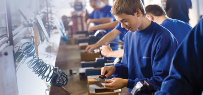 Statistic, bistrițenii revin în școlile profesionale, dar încă mult sub nivelul de glorie din 2006