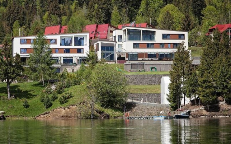 Boutique-hotelul ROSER a deschis sezonul turistic high class la Colibița
