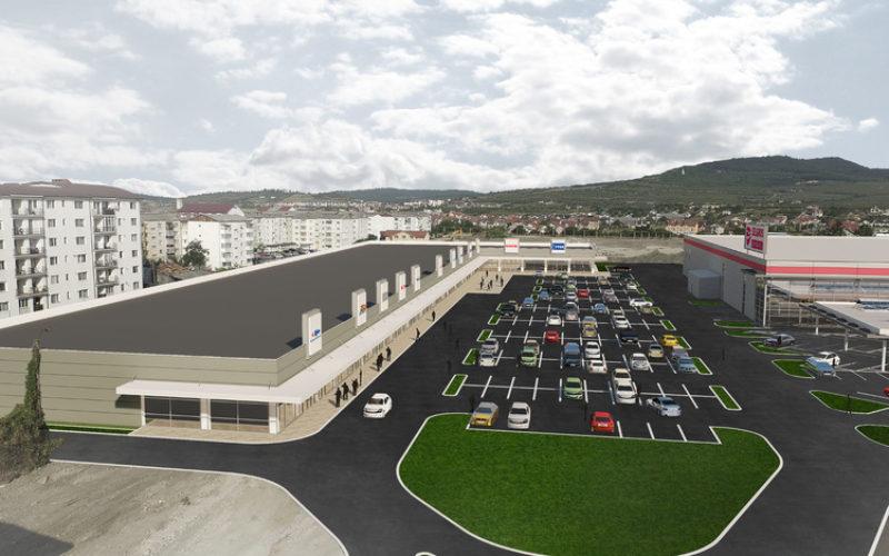 Prahovenii de la LEM'S deschid azi magazinul de mobilă din Bistrița Retail Park