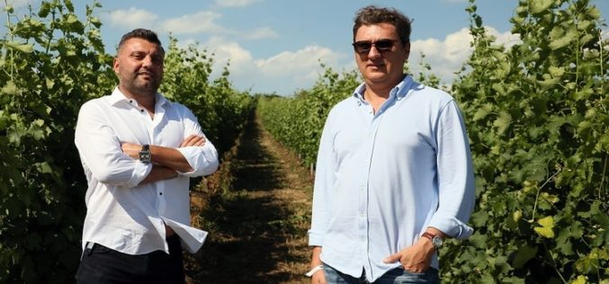 Bistrițeanul Claudiu Șugar, cu afaceri imobiliare și în energie, exportă 10% din vinurile La Salina, la care e coproprietar