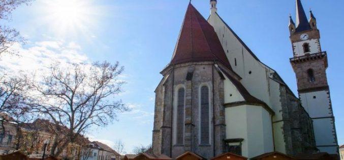 """O firmă mare din Iași, căzută în genunchi, dar asociată cu MIS Grup, """"a câștigat"""" restaurarea Bisericii Evanghelice din Bistrița, pentru cca. 13 mil. lei."""