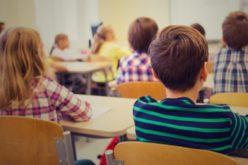 Peste 100 de elevi din Bistrița Bârgăului primesc zilnic o masă caldă, grație unui proiect finanțat de UE și Guvern