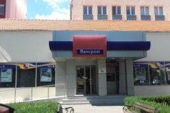 Angajații BANCPOST Bistrița puși pe liber de noul proprietar, Banca Transilvania