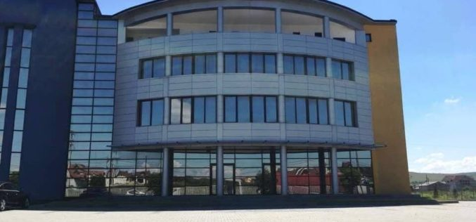 Familia Filip, acționară cu 16,66% la Electroplast, deschide un centru comercial într-o zonă aglomerată a Bistriței