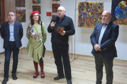 Artista Ștefania Borodi – o expoziție surprinzătoare, unde culoarea cântă