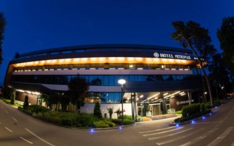 Hotel METROPOLIS rămâne, deocamdată, cu lacătul pe ușă. Urmează o nouă tentativă de vânzare?