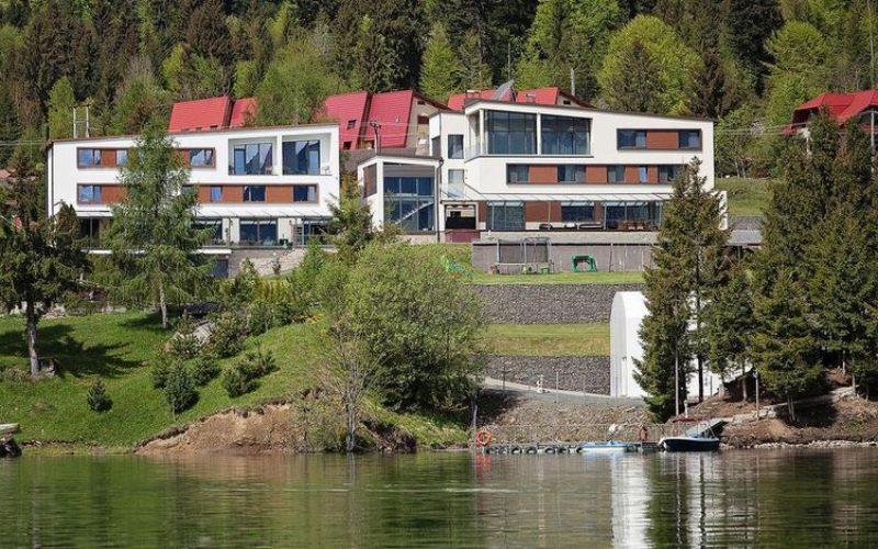 Hotelul RoSer House deschide, cu stil, sezonul turistic la Colibița