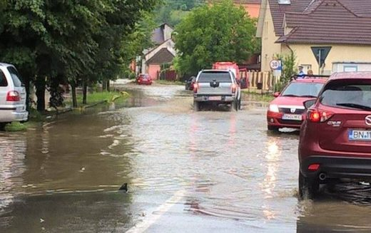 O firmă din Satu Mare reface canalizarea pluvială pe Str. Mihai Viteazu din Bistrița