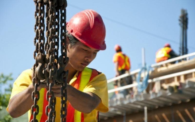 FRASINUL aduce în Bistrița-Năsăud primii 30 de muncitori vietnamezi