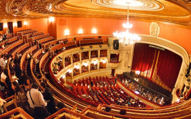 Ziua Internaţională a Femeii, sărbătorită la Opera Naţională. Femeile de business, în centrul evenimentului.