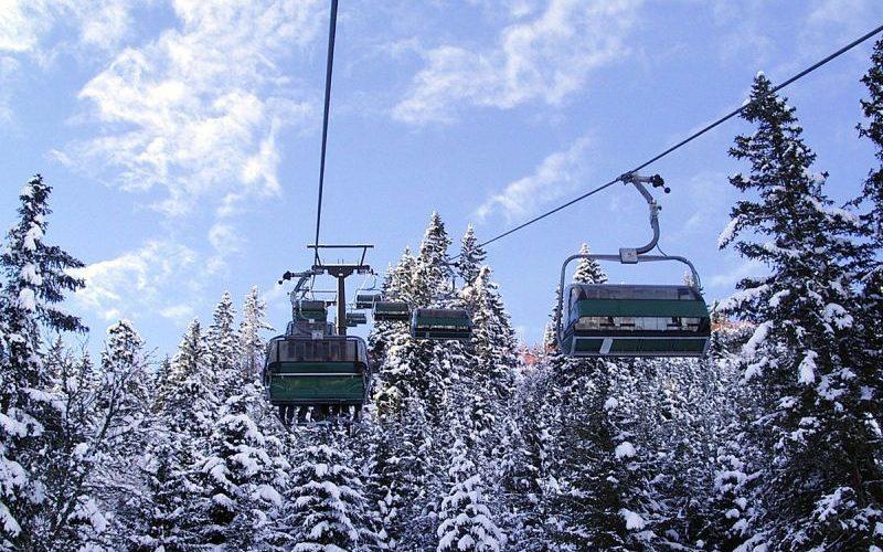 Firma care va monta ski lift-ul din Wonderland are un singur angajat