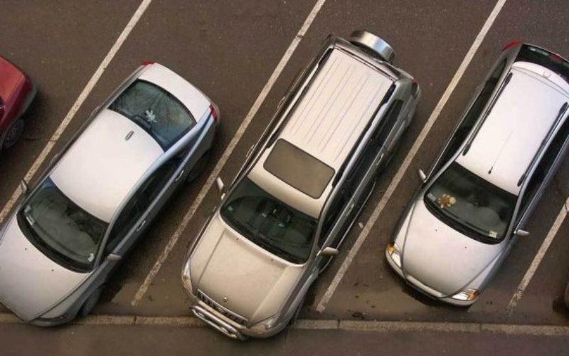 Minim 340 de locuri în parcarea supraetajată de pe strada Năsăudului