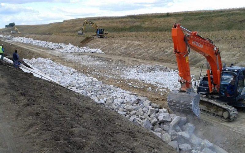 Două firme bistrițene fac lucrări hidro de aproape 70 mil. lei în Neamț, Mureș, Suceava și Bistrița-N