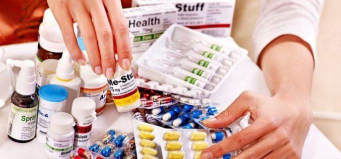 Producătorii de medicamente spun că nu există risc de scumpiri în România