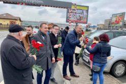 De 8 Martie, echipa PSD Bistrița a împânzit orașul cu flori