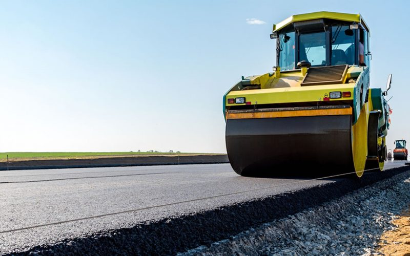 FRASINUL reface asfaltul pe sectoare din drumurile Ilva Mică-Leșu și Bistrița-Jelna