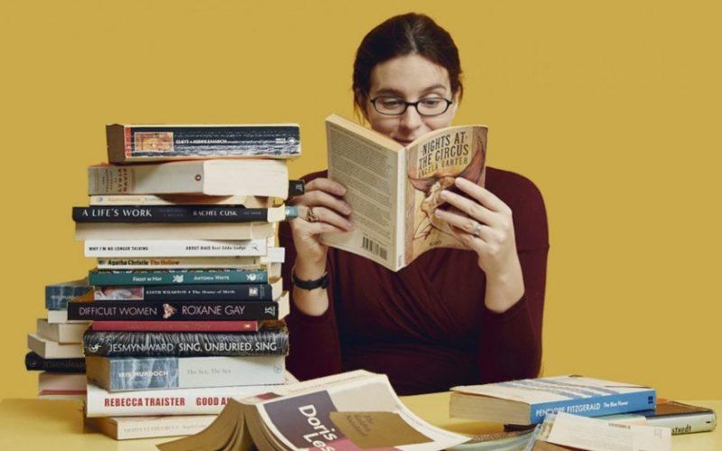 LEONI Bistrița își îndeamnă șomerii la lectură, trimițându-le acasă cărți, prin curier, în mod gratuit
