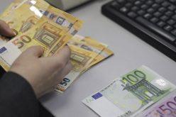 Bonus de 500 euro/lună pentru medicii care tratează pacienți cu COVID-19
