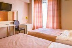 Ce hoteluri bistrițene au uitat să-și scoată de pe booking.com ofertele de cazare