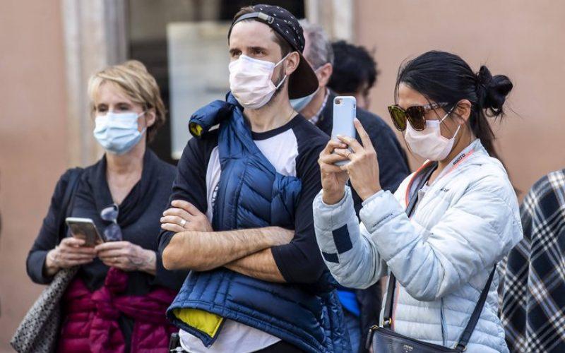 Locuitorii din Lunca Ilvei primesc gratuit măști de protecție, alcool sanitar și săpun