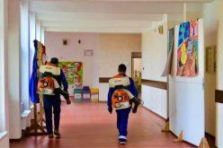 Cum pregătește Primăria Bistrița școlile pentru întoarcerea elevilor din anii terminali
