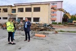 Șantier la Școala Gimnazială nr.1 din Bistrița! Au început lucrările de modernizare