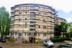 Lista celor 8 blocuri din Bistrița care intră în reabilitare termică. Alte 9 sunt în licitație