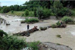 Guvernul a alocat încă o tranșă de bani pentru cei loviți de inundații. Cine primește bani