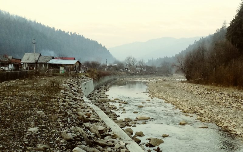 Un constructor mare din Bistrița, reținut de DNA pentru o presupusă mită de 1 mil. de euro