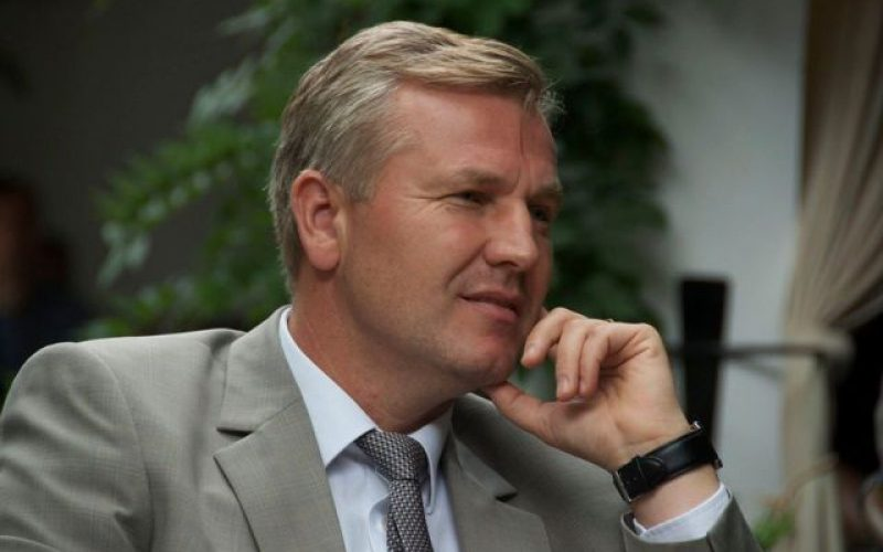 Stelian Dolha a demisionat din funcția de prefect și candidează pentru președinția CJ BN