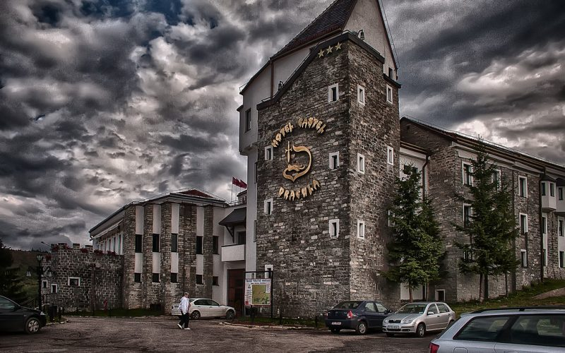 Hotelul DRACULA din Tihuța cumpărat de o importantă companie bistrițeană!