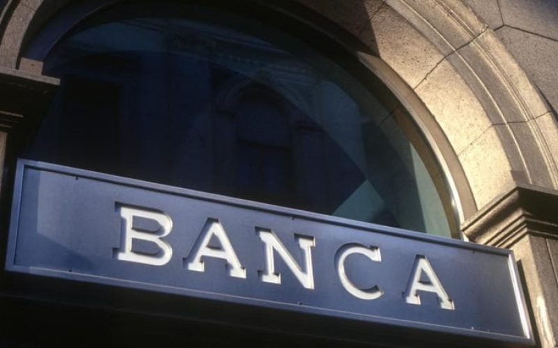 PwC: Băncile trebuie să scadă costurile cu 25-50% în 3-5 ani pentru a fi eficiente