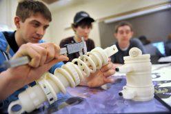 LEGE: Firmele care investesc în învățământul dual își pot deduce aceste cheltuieli