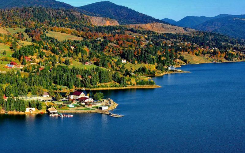 Cum va arăta lacul Colibița cu 3,9 km de promenadă și alte facilități, destinate turiștilor?