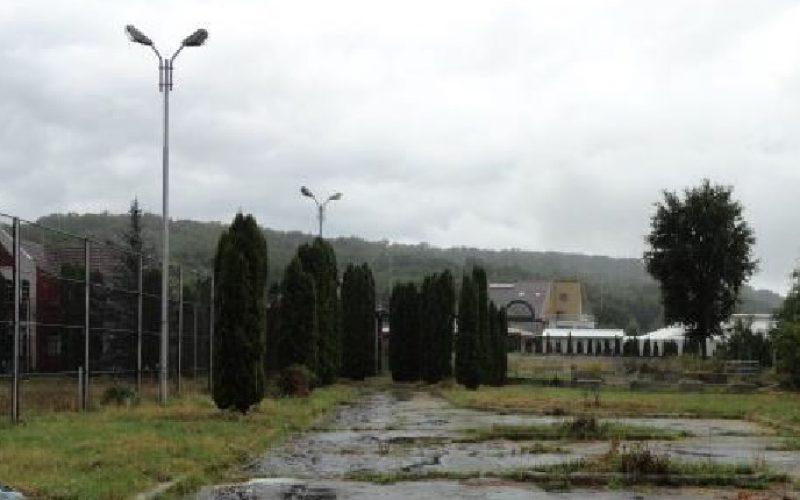 TELEKOM își vinde vila cu piscină pe care o are lângă Pădurea Schulerward