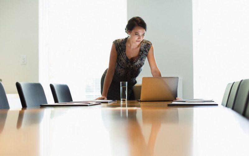 Femeile din Bistrița-Năsăud, locul 3 național, de la coadă, la prezență în afaceri