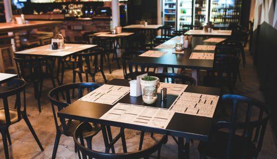 După doar 2 săptămâni de respiro, restaurantele și cafenelele din Bistrița revin la 30% din capacitate