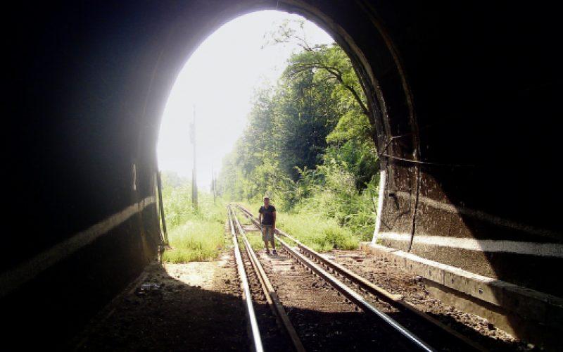 CFR începe reabilitarea unui tunel pe linia Ilva Mică-Floreni