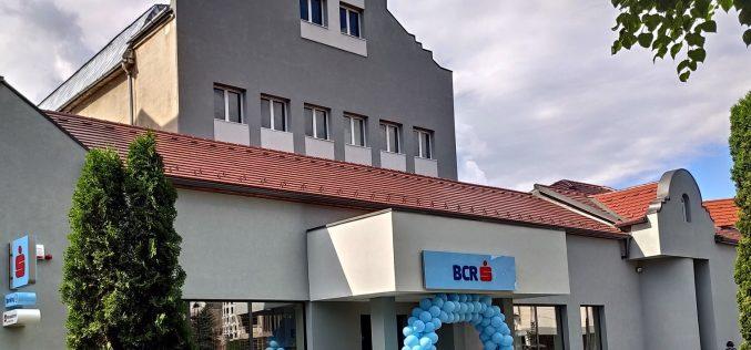 BCR Bistrița s-a mutat în casă nouă, vechiul sediu își caută cumpărător